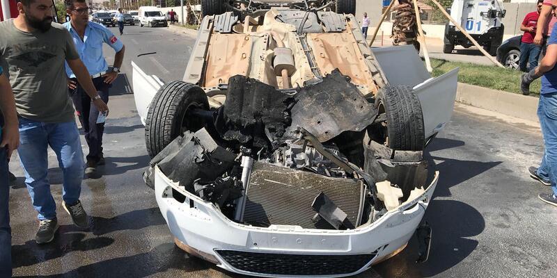 Nusaybin'de takla atan otomobil alev aldı: 3 yaralı