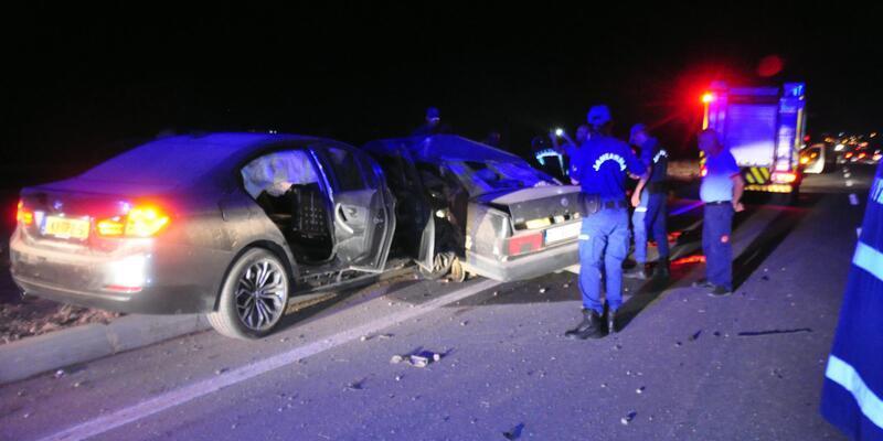 Karaman'da iki otomobil çarpıştı: 2 ölü, 4 yaralı