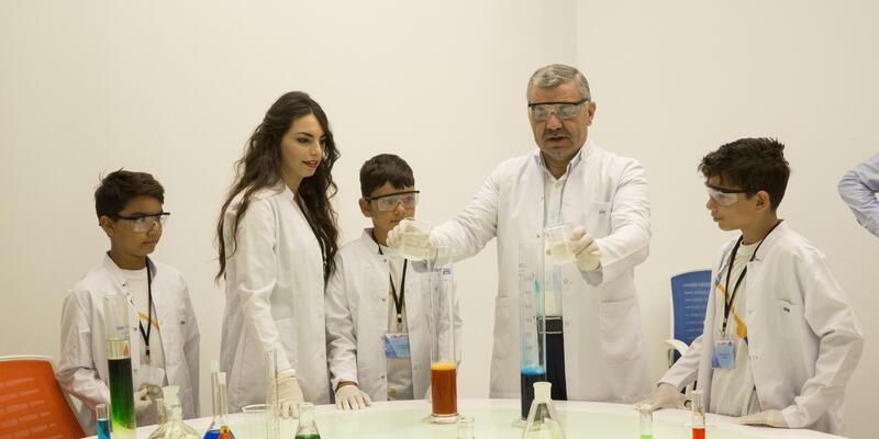 Başkan Çelik'ten bilim kampına ziyaret