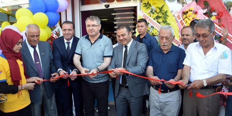 Erciş'te 'Aile Oyun Merkezi' açıldı