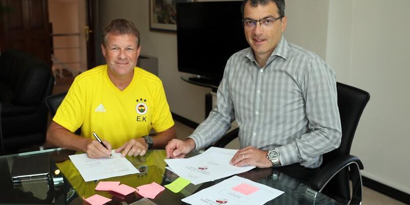 Erwin Koeman Fenerbahçe'yle sözleşme imzaladı