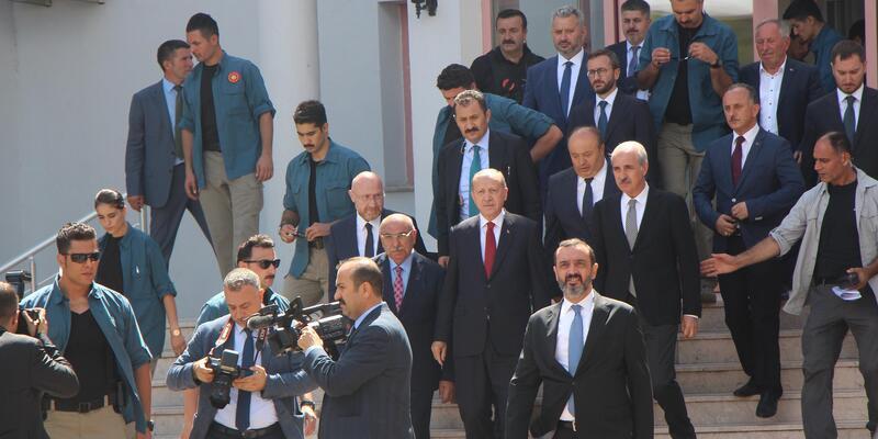 Cumhurbaşkanı Erdoğan, Ordu'da sel bölgesinde incelemelerde bulundu (3)