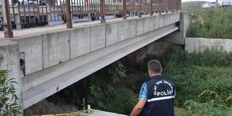 Köprü altındaki derede erkek cesedi bulundu