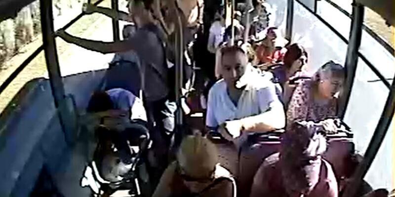 Halk otobüsü şoförü, bayılan kadın yolcuyu hastaneye götürdü