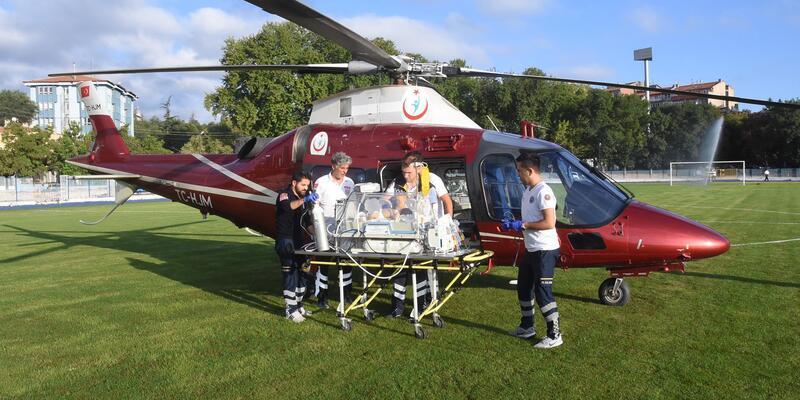 4 günlük bebek, ambulans helikopterle sevk edildi