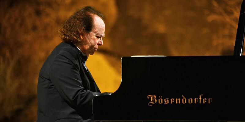 Piyano virtüözü Cyprien Katsaris'ten Bodrum'da konser