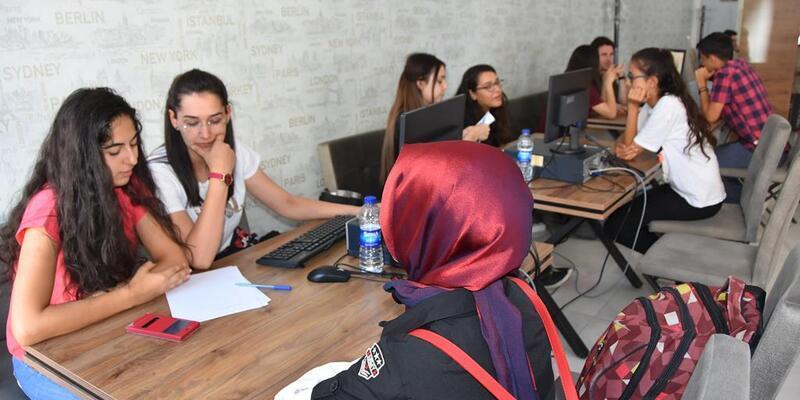 Kocasinan Belediyesi tercih yapacak öğrencilere danışmanlık hizmeti sunuyor