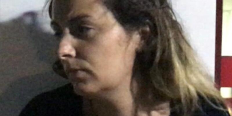Kaldırımda başına beton parçası düşen Fransız kadın, şikayetçi oldu