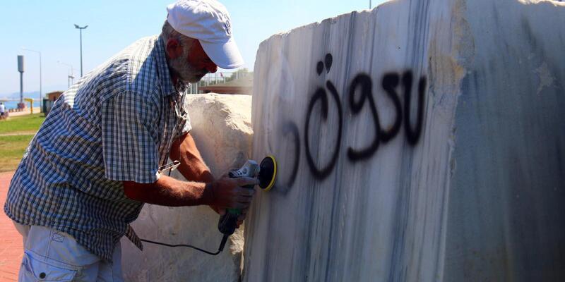 Yalova'da Deprem Anıtı onarılıp, temizlendi