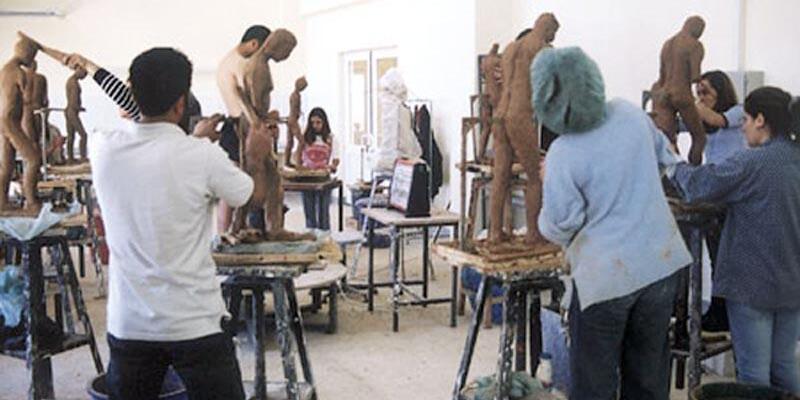 ERÜ Güzel Sanatlar Fakültesi, 3 ila 4 bin lira ücretle canlı model arıyor