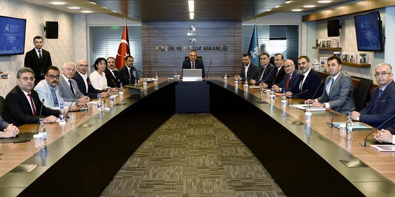 Nevşehir heyeti, Bakan Ersoy'a, Kapadokya Destinasyon Projesi'ni anlattı