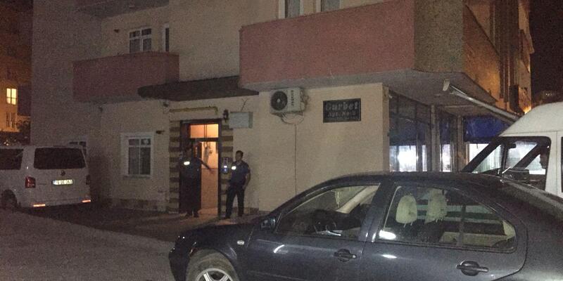Tartıştığı polis sevgilisinin tabancasıyla intihar etti