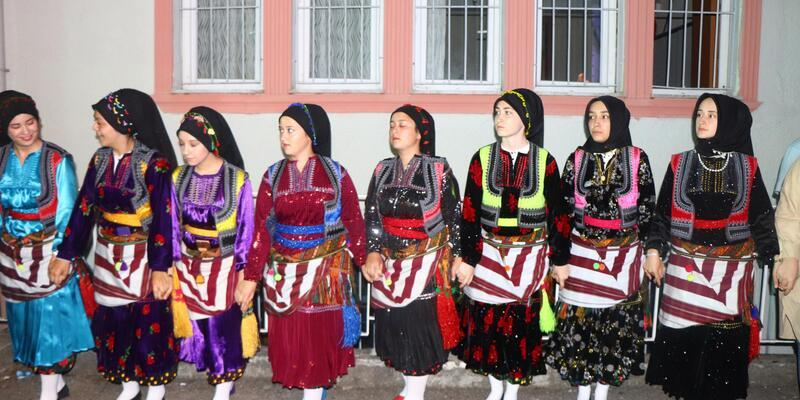 Şalpazarı Birlik Günü'nde 'Ağasar' modası rüzgarı esti