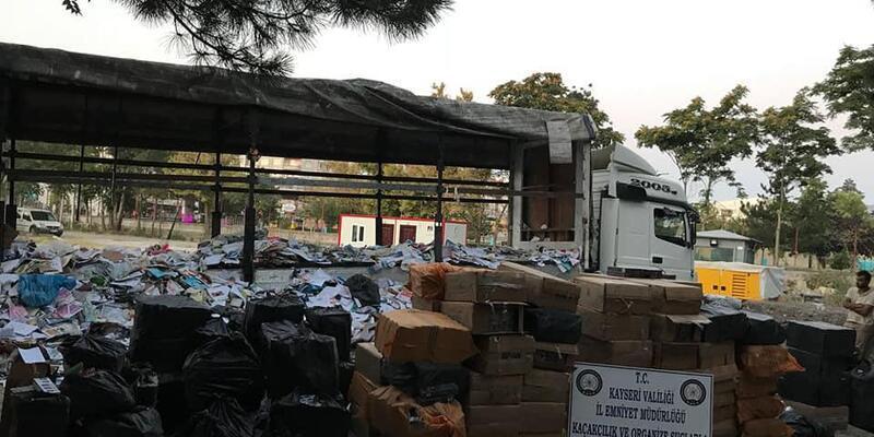 TIR'da 65 bin paket kaçak sigara ele geçirildi