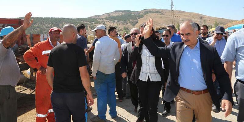 Sivas Belediye Başkanı Aydın, kurban pazarını gezdi