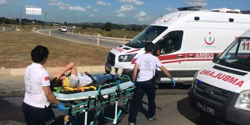 Otomobil ile hafif ticari araç çarpıştı: 3'ü çocuk, 6 yaralı