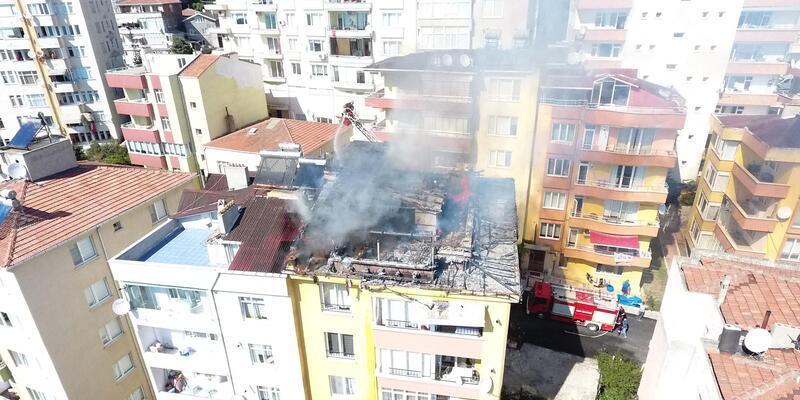 4 katlı binanın çatı katında kurban eti kavururken yangın çıktı