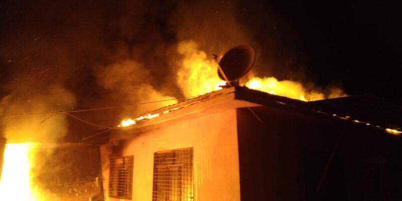 Darende'nin seyyar gasilhanesinde yangın