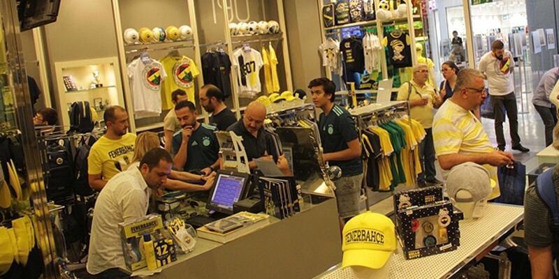 Fenerbahçe forma satışında 100 bini geçti