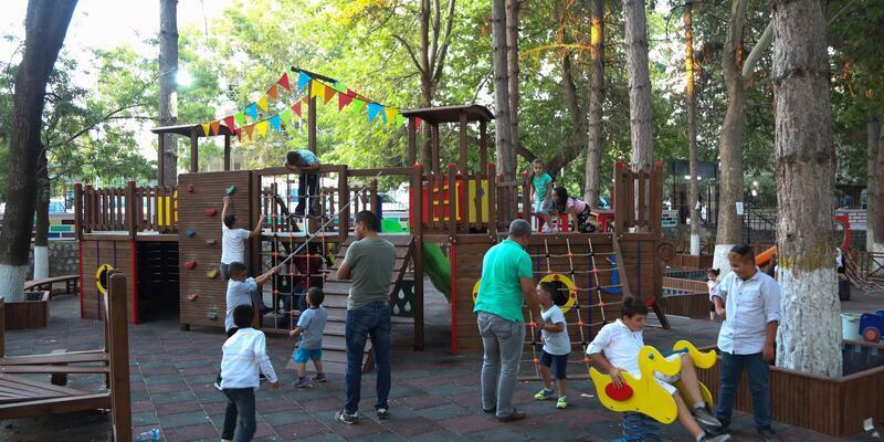 Elbiz parkına yeni çocuk oyun alanı