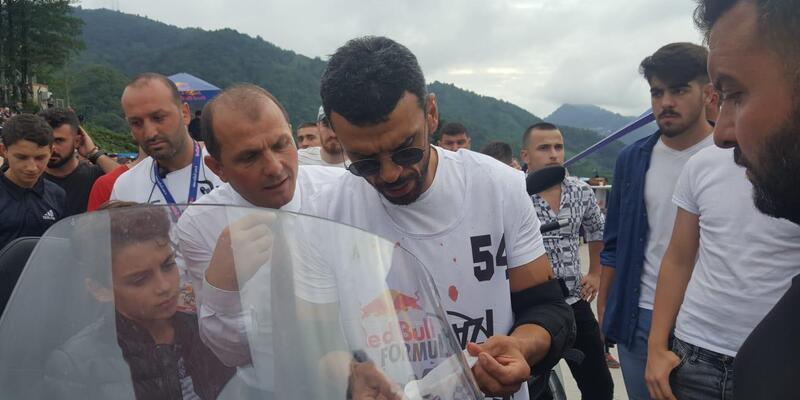 Kenan Sofuoğlu, tahta arabayla böyle kaza yapmış