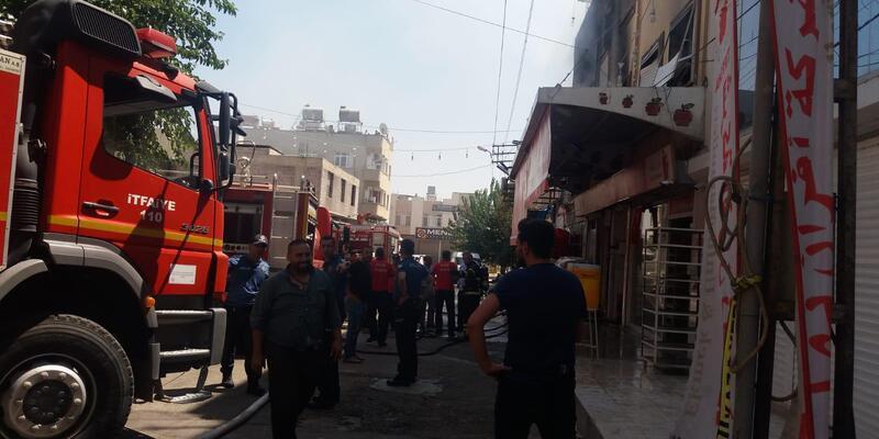 Kilis'te fırında yangın; mahsur kalanlar var (1)
