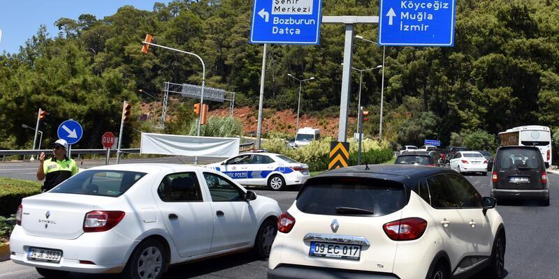 Marmaris'te tatilciler dönüşe geçmeye başladı