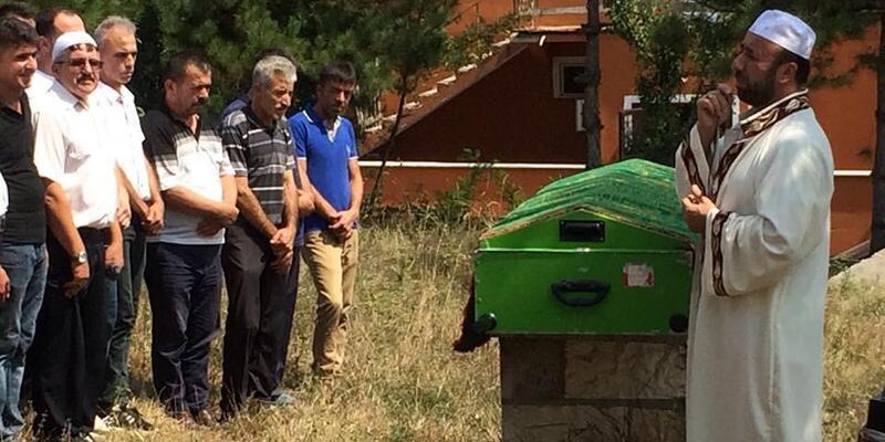 Kıyıköy'de boğulan genç, Zonguldak'ta toprağa verildi