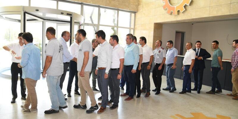 OSB Başkanı ve yönetimi çalışanları ile bayramlaştı
