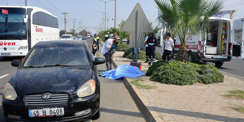 Manisa'da otomobilin çarptığı yaşlı adam öldü