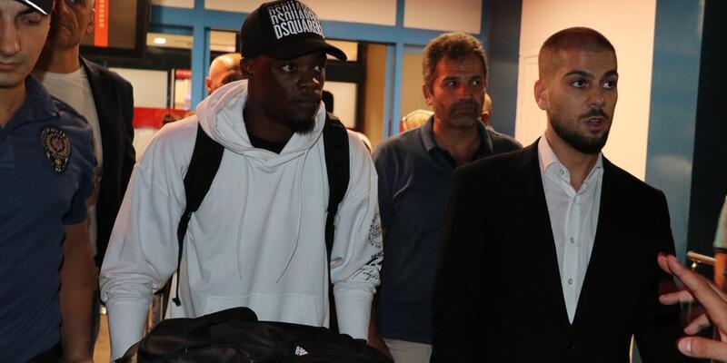 Son dakika Yeni transfer Caleb Ekuban Trabzon'a geldi