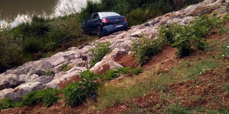 Filyos Çayı kenarına uçan alkollü sürücü yaralandı