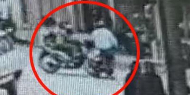 Motosikletlerin çarpıştığı kaza kamerada