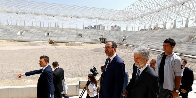 Spor Bakanı, Eryaman Stadı'nda inceleme yaptı