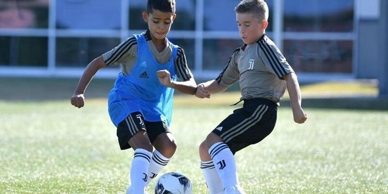 Cristiano Ronaldo'nun oğlu Juventus'a transfer oldu