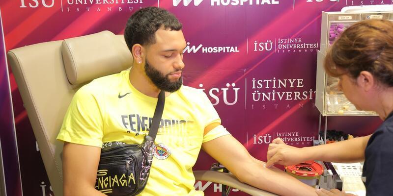 Fenerbahçe'de yeni transfer Tyler Ennis sağlık kontrolünden geçti