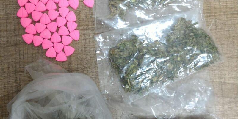 Lüks araçla uyuşturucu ticareti