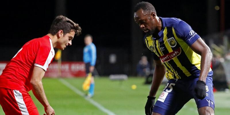 Bolt futbol kariyerinin ilk maçına çıktı