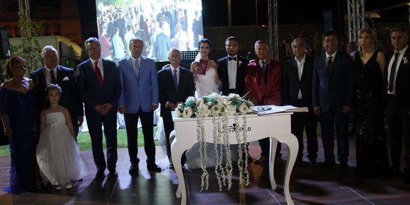 CHP'li Muharrem İnce, Tokat'ta nikah törenine katıldı