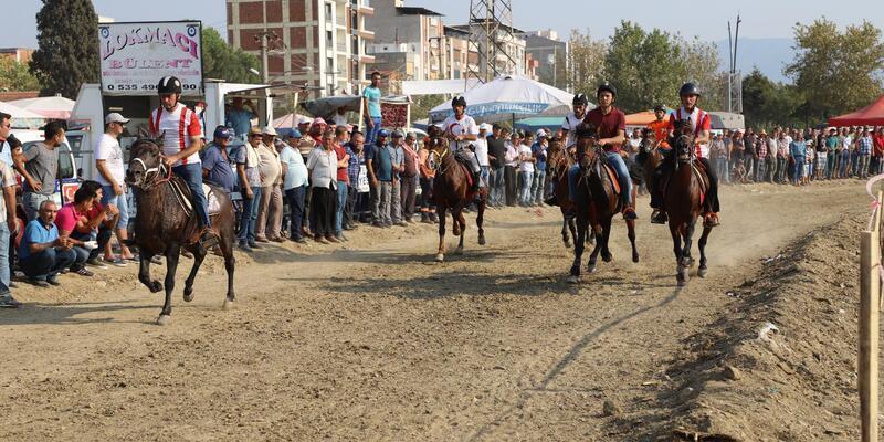 Turgutlu'da rahvan at yarışları heyecanı