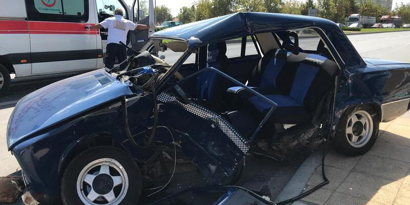 Aksaray'da iki otomobil çarpıştı: 1 ölü, 1 yaralı