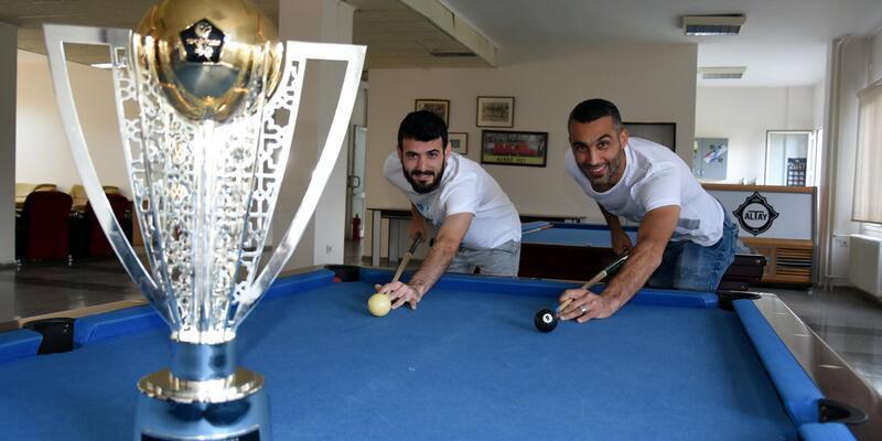 Altay'da şampiyonlar kulübede