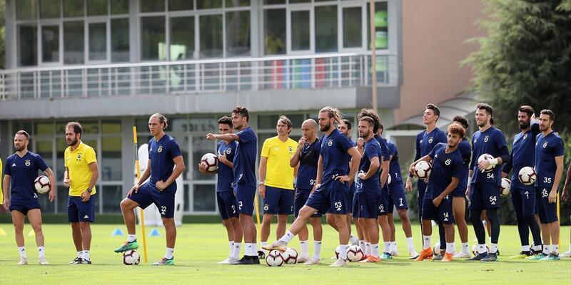 Fenerbahçe hazırlıklara ara vermeden devam ediyor