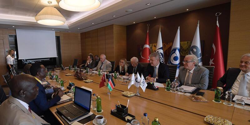 İzmir iş dünyasından yatırım ve ticaret daveti