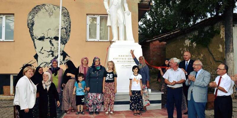 Tekirdağ'ın Ormanlı Mahallesi'ne Atatürk Anıtı