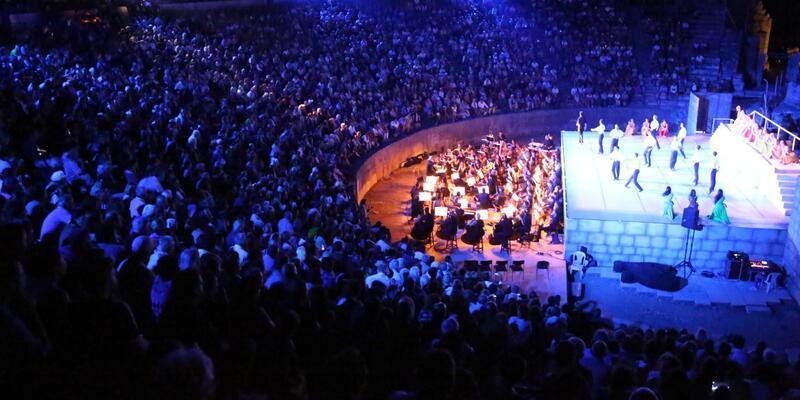 Uluslararası Efes Opera ve Bale Festivali 'Zorba' ile başladı