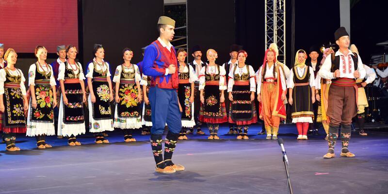 Sırbistan'dan dans ve müzik şöleni