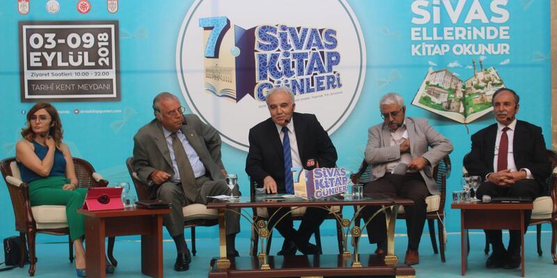 """Sivas'ta """"Kültür Adamlarını Yad Ediyoruz"""" adli panel düzenlendi"""