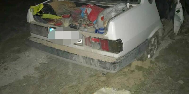 Kaçak avcılar, otomobilleri çamura saplanınca yakalandı