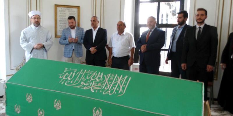 Diyanet İşleri Başkanı Erbaş, Hayme Ana Türbesi'ni ziyaret etti